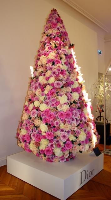 Un vistazo a la navidad en par s el blog de navidad digital - Arbol navidad diseno ...