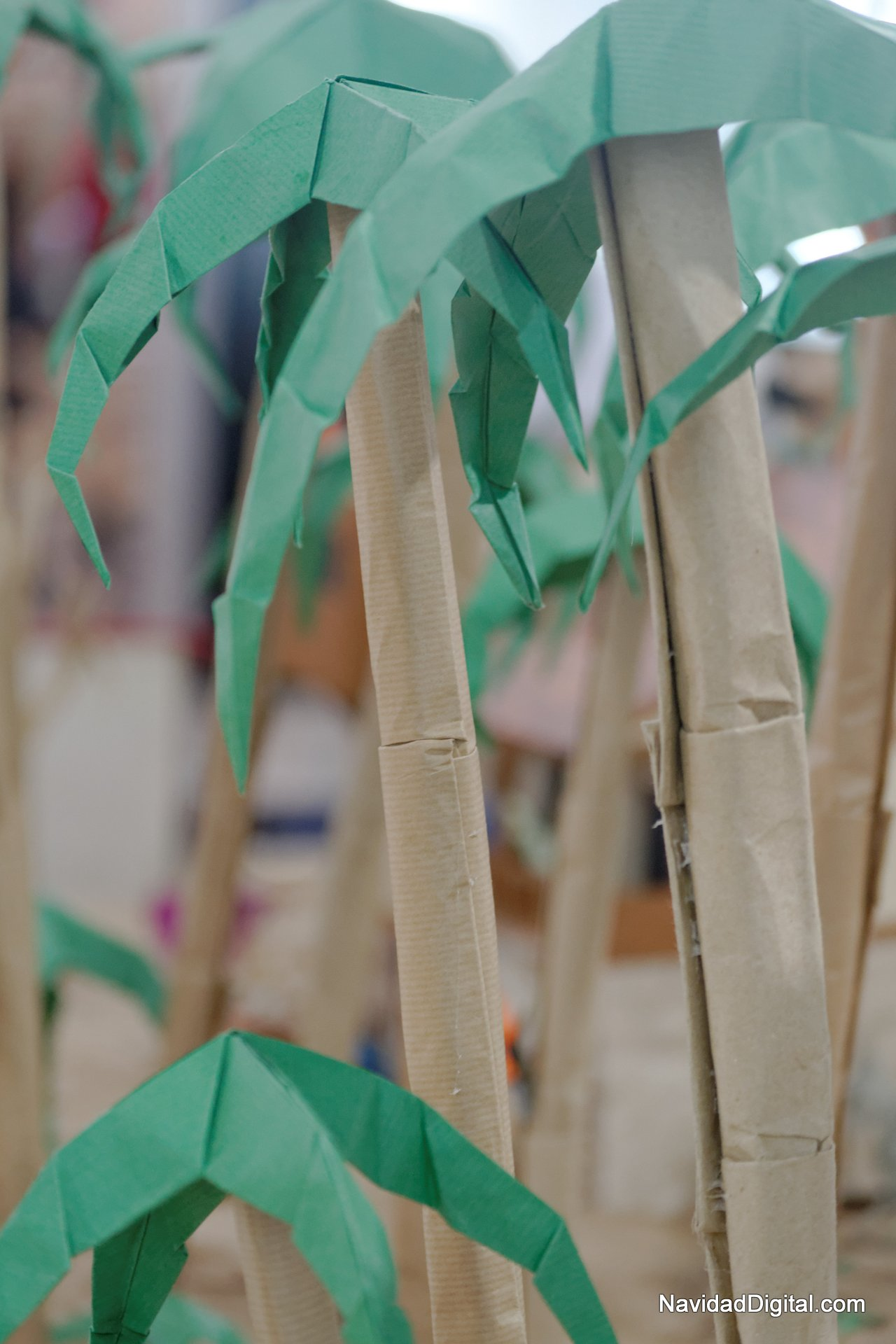 Palmeras de papel imagui - Como hacer una palmera artificial ...